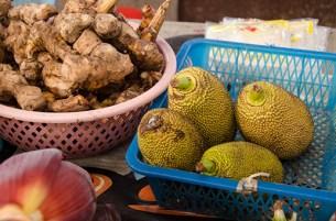 Durian et gingembre - marché de Lampang
