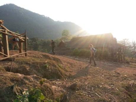 L'arrivée au village (Photos d'Axel & Sara)