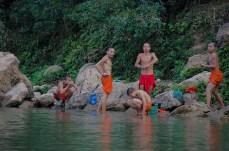 Houe Xai à Luang Namtha - l'heure de la douche dans la Namtha