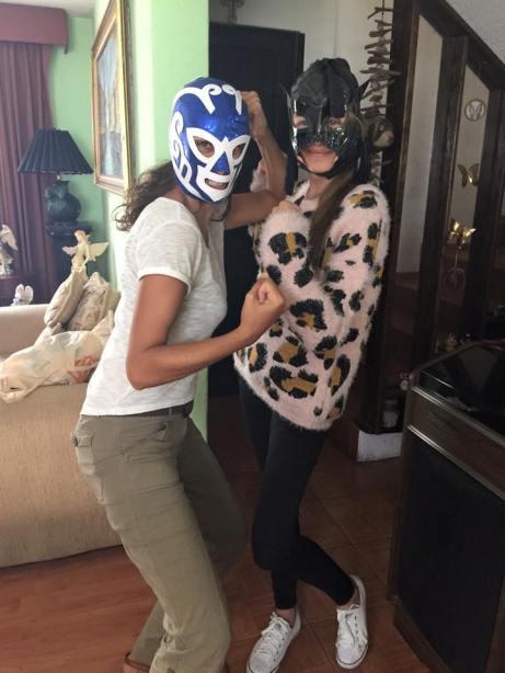 Chez Luis - Eve et Daniela en mode Lucha Libre