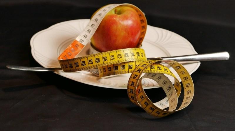 Tape Measure Apple Fruit Food  - Letiha / Pixabay