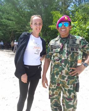 Bpk Letkol Marunrung who helped out with his team of marines for 2 days. They worked extremely hard!