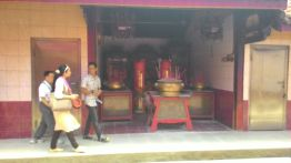 Walking inside one of the oldest temples in the city