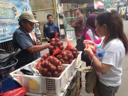 "Joanie from The Phillippines was thrilled to see ""duku"" on the street and couldn't help herself buying 1kg. ""I haven't eaten those for 10 years!!!"""