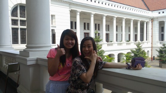 Mae and Mona from The Phillipines posing inside the Museum of Bank Indonesia.