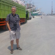 Alberto from Rome, Italy. Amazed by the giant wooden ships in Sunda Kelapa old harbour.