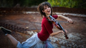 "Lindsey Stirling returns home to ""AGT"""