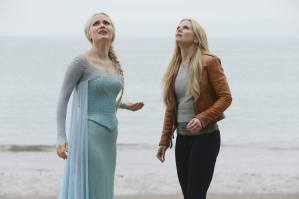 """OUAT"" has a ""Frozen"" farewell as the Queens of Darkness arrive!"