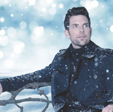 Chris Mann Holiday special