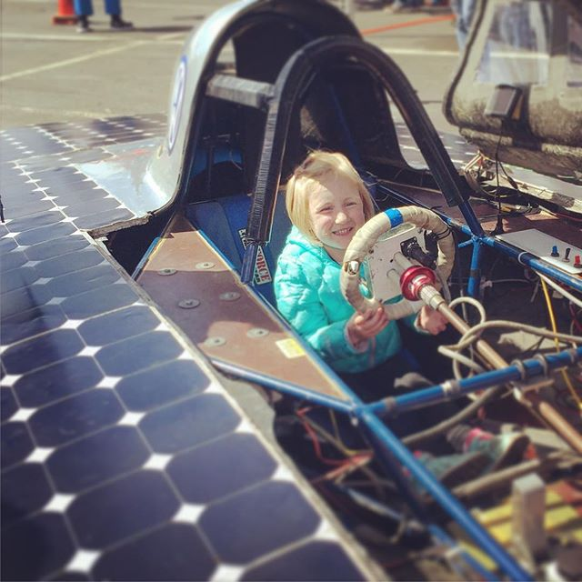 Hailey walked up to this solar car after seeing the @ucberkeleyofficial sticker on the side and promptly told the women there about the Bears shirt that she was wearing, and that she wanted to be in the car in that moment. Might have an engineer on our hands. #makerfaire #makersgonnamake