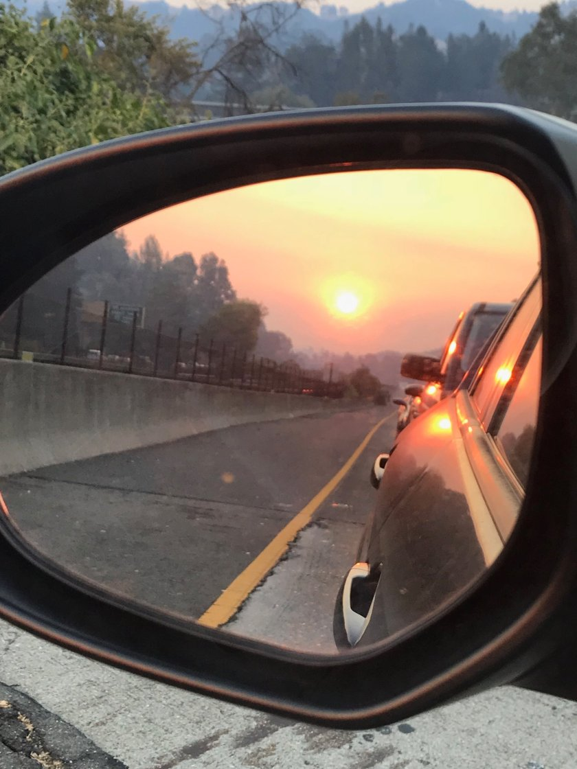 Smoky sunset commute https://t.co/4CHf8NpUaI