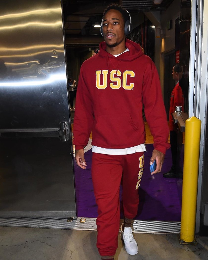 RT @USC_Hoops: Always reppin'. #USCtotheNBA…