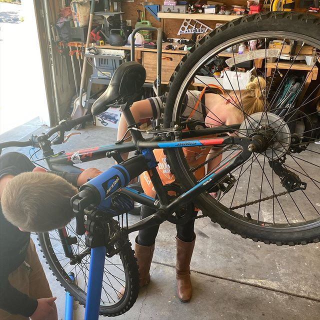 Future @parktoolblue bike mechanic. @sportsbasementeastbay, you hiring?