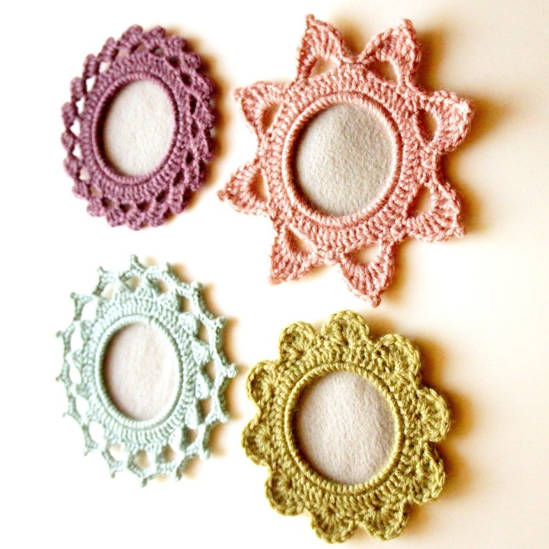 Crochet Picture Frames, Designed by JaKiGu