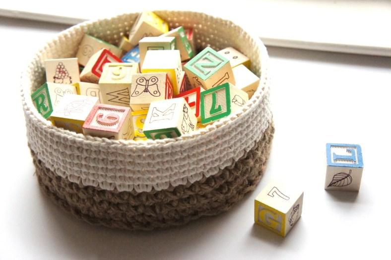 Crochet Stacking Baskets Pattern by JaKiGu
