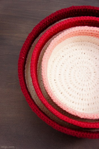 Sturdy Crochet Baskets | jakigu.com crochet pattern