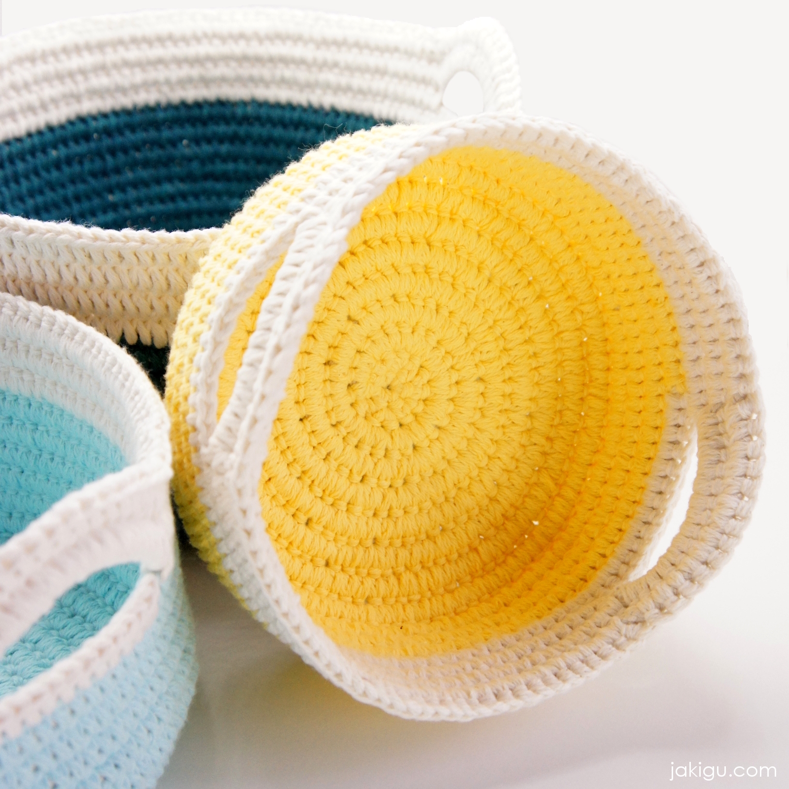 Modern crochet baskets - quick and easy crochet project