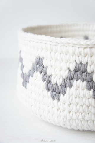 Waistoat Stitch crochet basket