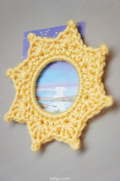 Crochet picture frame pattern and visual guide for complete beginners by jakigu.com