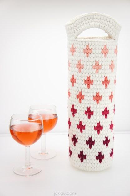Ombre Wine Bottle Koozie / Cozy, Crochet Pattern by jakigu.com