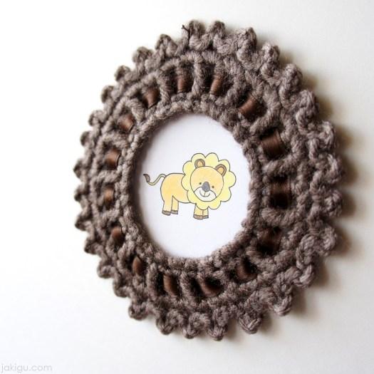 Crochet picture frame by jakigu.com