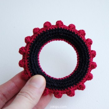 High Contrast Infant Toy | jakigu.com crochet pattern