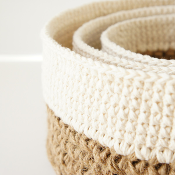 Round Jute and Cotton Baskets | | jakigu.com crochet pattern