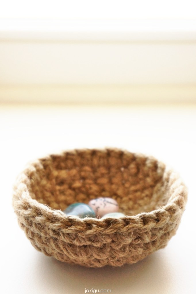 jute crochet bowl with semi precious stones