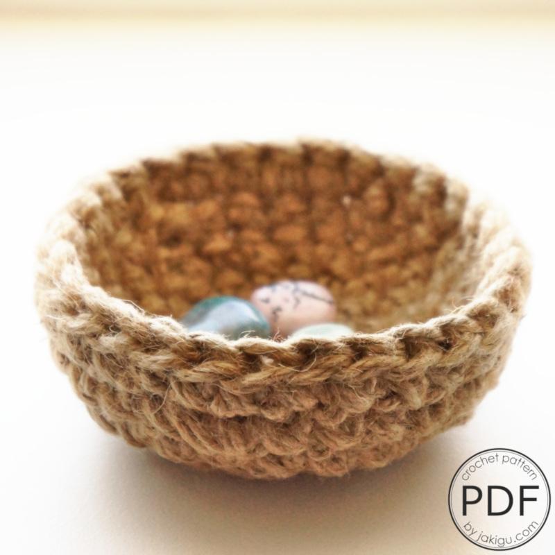 Tiny Jute Bowl | jakigu.com crochet pattern