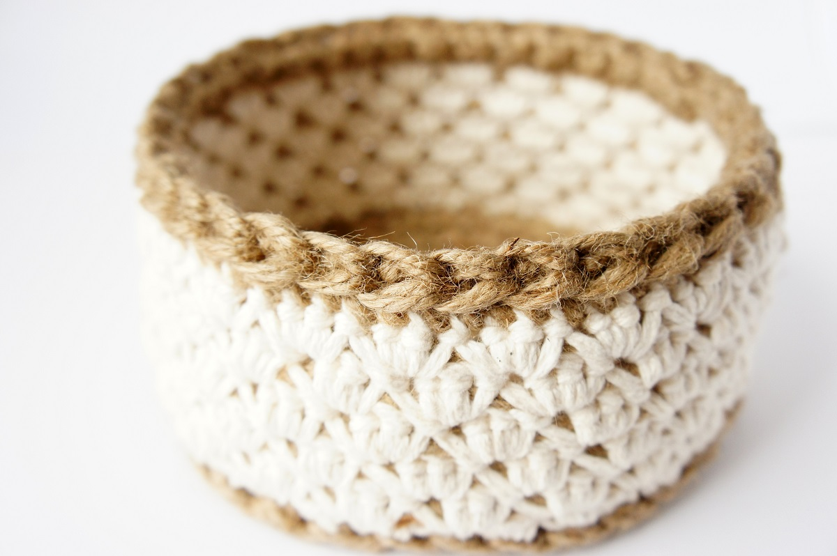work in progress: jute and cotton crochet basket