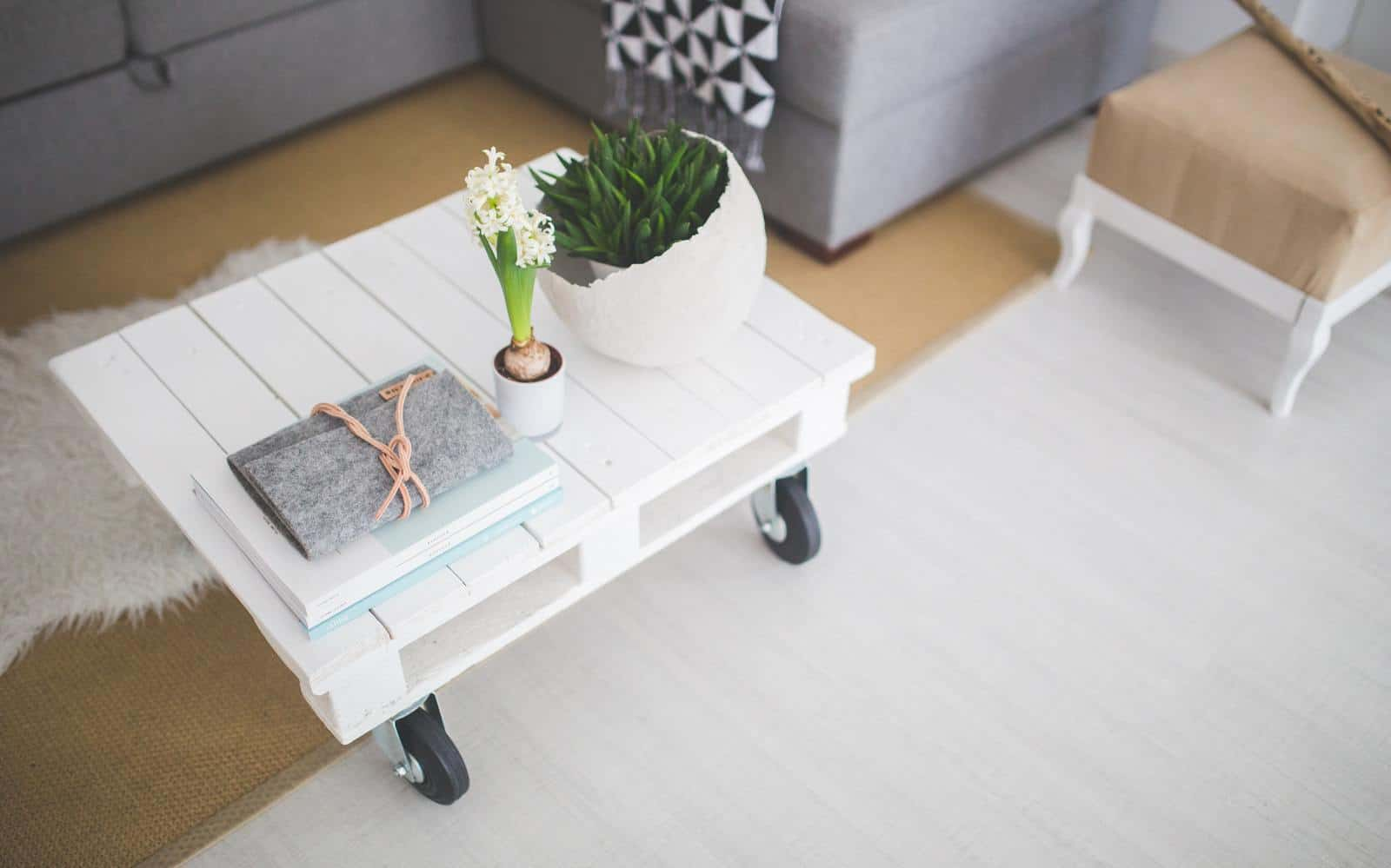 How To Modernise Your Home On A Budget & How To Modernise Your Home On A Budget - JakiJellz