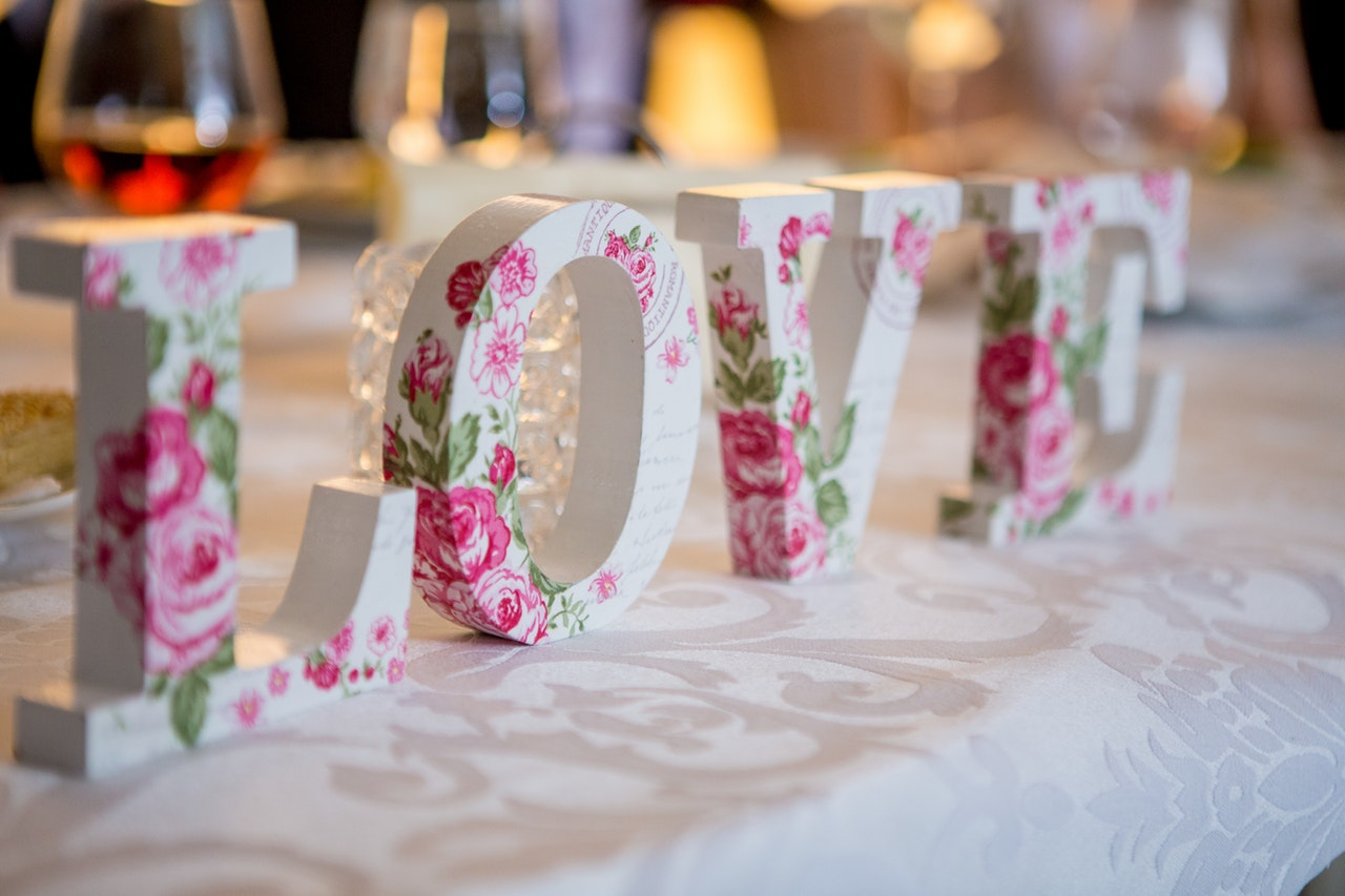 5 Top Tips For Choosing a Wedding Theme