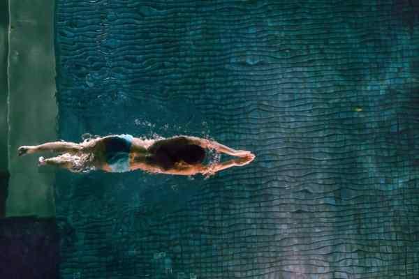 , Jak chronić włosy przed chlorowaną lub słoną wodą, chlorem na basenie, promieniami uv i mrozem?, Jak naturalnie