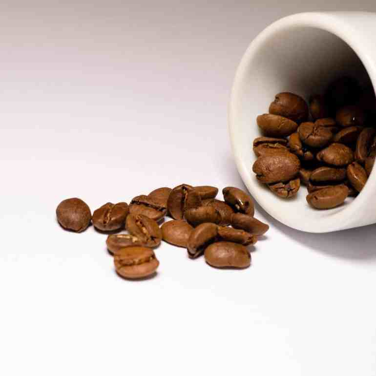 DIY coffee body peeling - for cellulite and smooth skin
