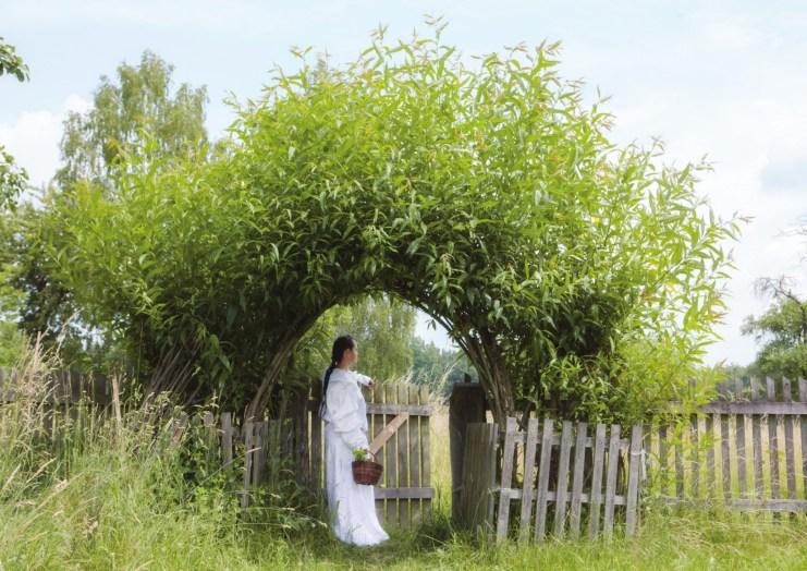 výstava Nevěsty z jiných světů. Svatá Bathilda - otrokyně - královna-světice. Foto D. Martinová.