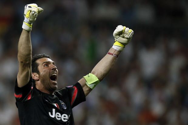 Ekspresi kapten tim Juventus, Gianluigi Buffon, setelah timnya memastikan satu tiket final Liga Champions. (canada.com)