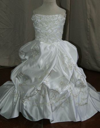 Pickup miniature bridal gown