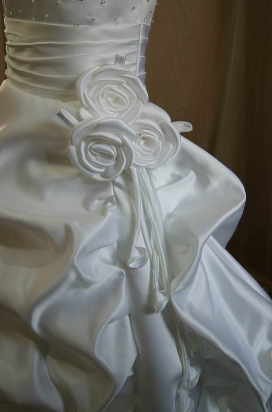 Pick-up Style Flower Girl Dress has Ruched waist with roses