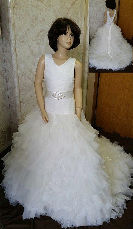 Flower Girl Dresses with Ruffled Train