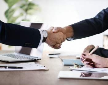 Umowa kupna-sprzedaży online - gotowe wzory DOC i PDF