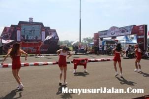 Umbrella Girl Honda Dream Cup (6)