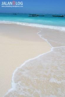 Pantai Salura