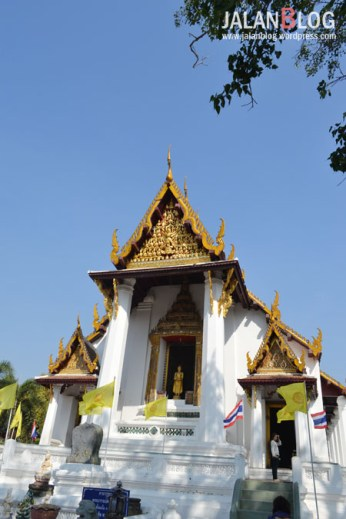 Wat Phra Namen