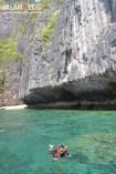 Snorkling di Maya Bay