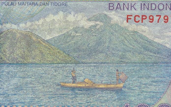 Pulau Maitara dan Tidore ( gambar)