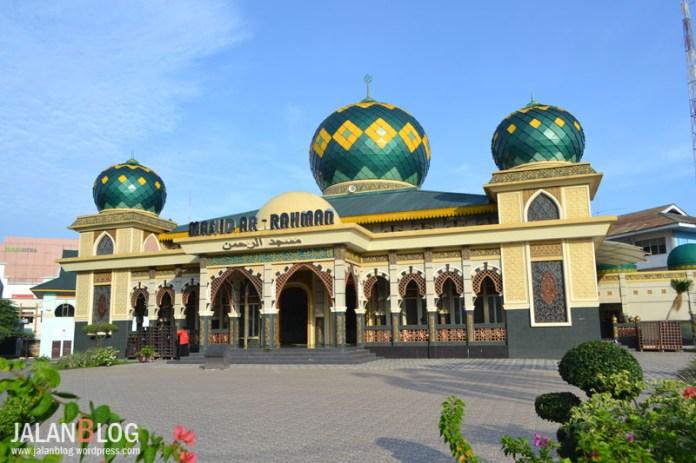 Masjid Ar-Rahman, Masjid kecil dengan detail arsitektur yang luar biasa