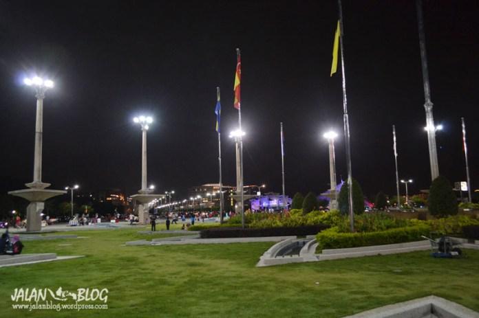 Taman Kecil di tengan Putra Square