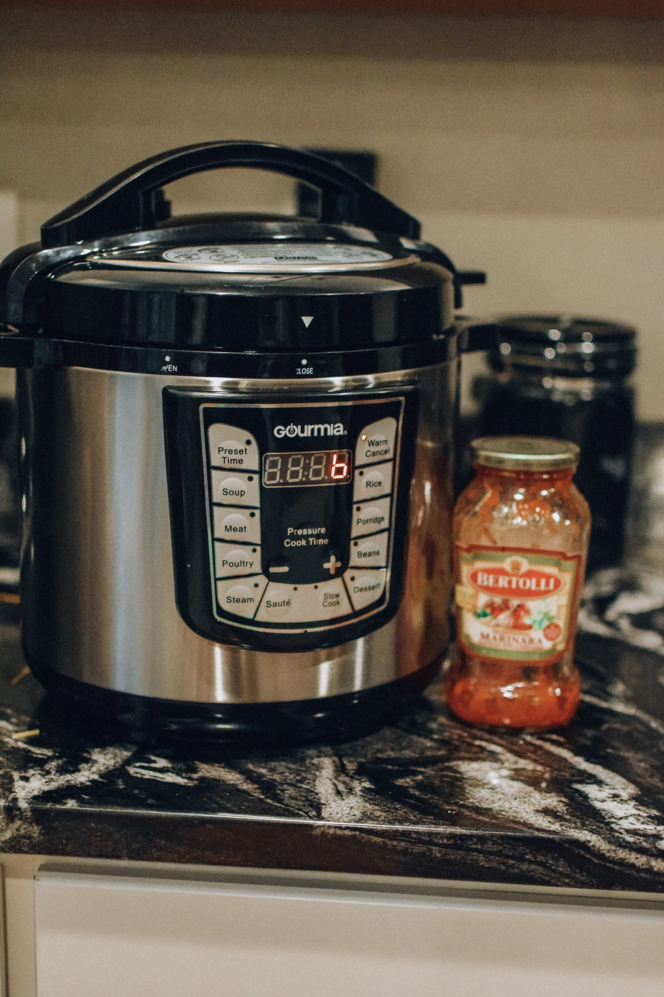 Instant pot 10 minute spaghetti sauce and sausage
