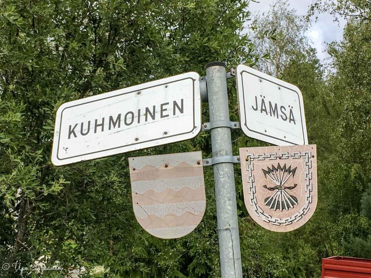 Kuhmoinen ja Jämsä -rajavaakunat