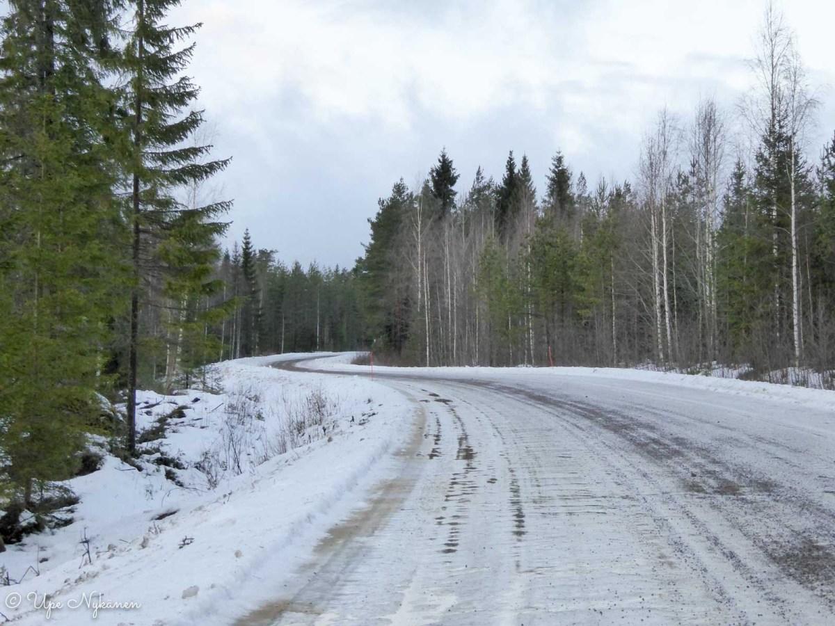 Jäinen Perhontie, Kivijärvi